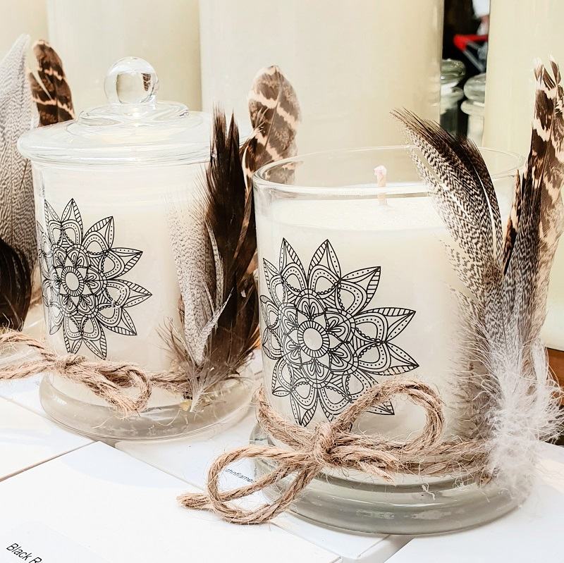 Boho Candle with feathers